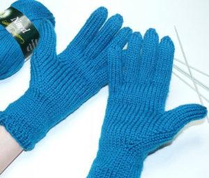 Как вязать пальцы на перчатках спицами?
