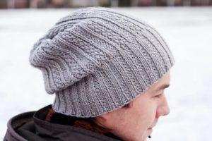 Как связать мужскую шапку спицами?