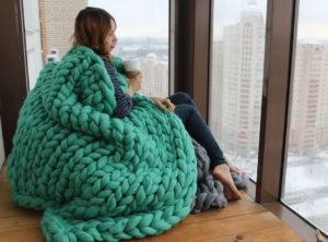 Как связать плед, одеяло, покрывало из толстой пряжи, шерсти альпака и мериноса, крупной объемной вязки спицами