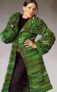 Меланжевое пальто в зеленых тонах