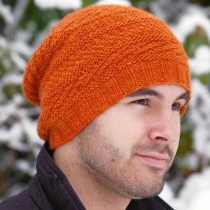 Мужские вязаные шапки спицами