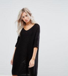 Платье из пряжи черного цвета