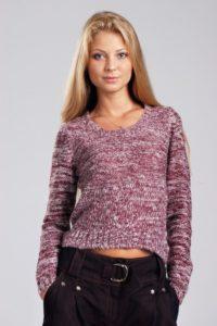 Пуловер из розовой меланжевой пряжи с ажурными рукавами