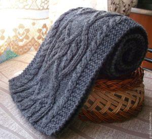 Серый шарф с аранами
